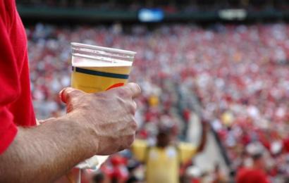 РПЦ против возврата пива на стадионы