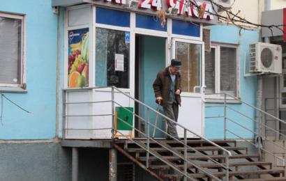 Регионы могут получить право на запрет торговли алкоголем в кафе в жилых домах