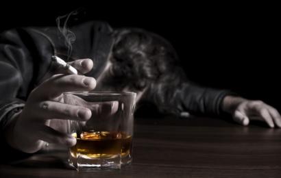 Алкоголь и табак признали самыми опасными наркотиками