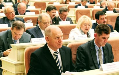 Депутаты Удмуртии отстаивают право регионов ограничить продажу алкоголя в общепите