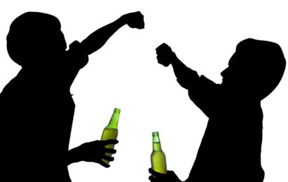 Ученые объяснили, почему подросткам опасно пить и курить